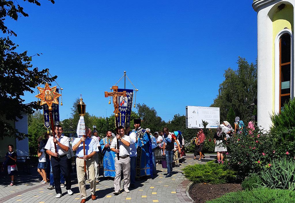 Престольне свято в селі Рубіжне Вовчанського благочиння