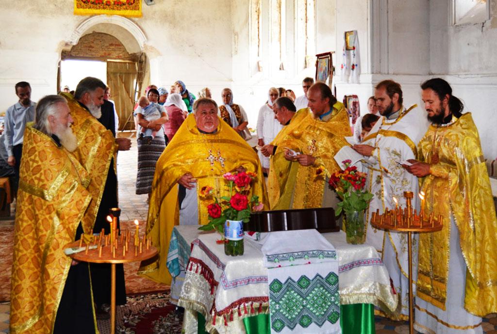 Престольне свято в с. Гнилиця Вовчанського округу