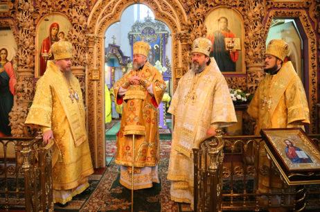 Высокопреосвященнейший Елисей поздравил с тезоименитством митрополита Полтавского и Миргородского Филиппа