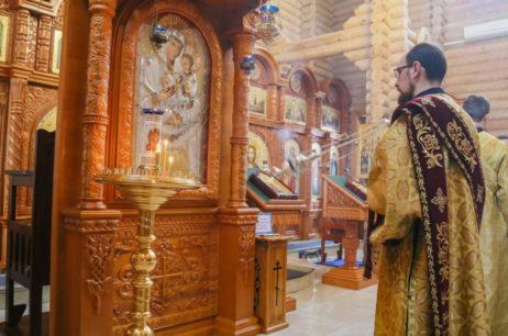 Богослужіння в Піщанському чоловічому монастирі