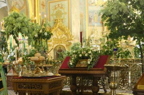 Канун праздника Пятидесятницы