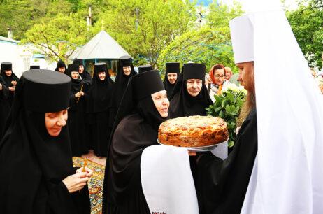 Свято перенесення мощів благовірних князів Бориса і Гліба